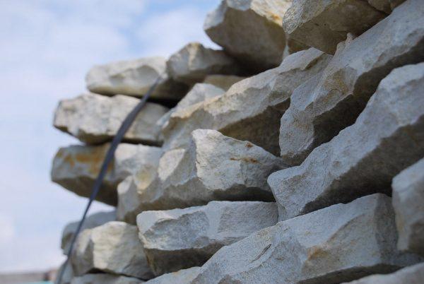 Lesotho Sandstone Drypack Chunks Cladding